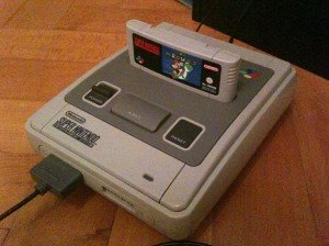 Super Nintendo (SNES) mit Super Mario World